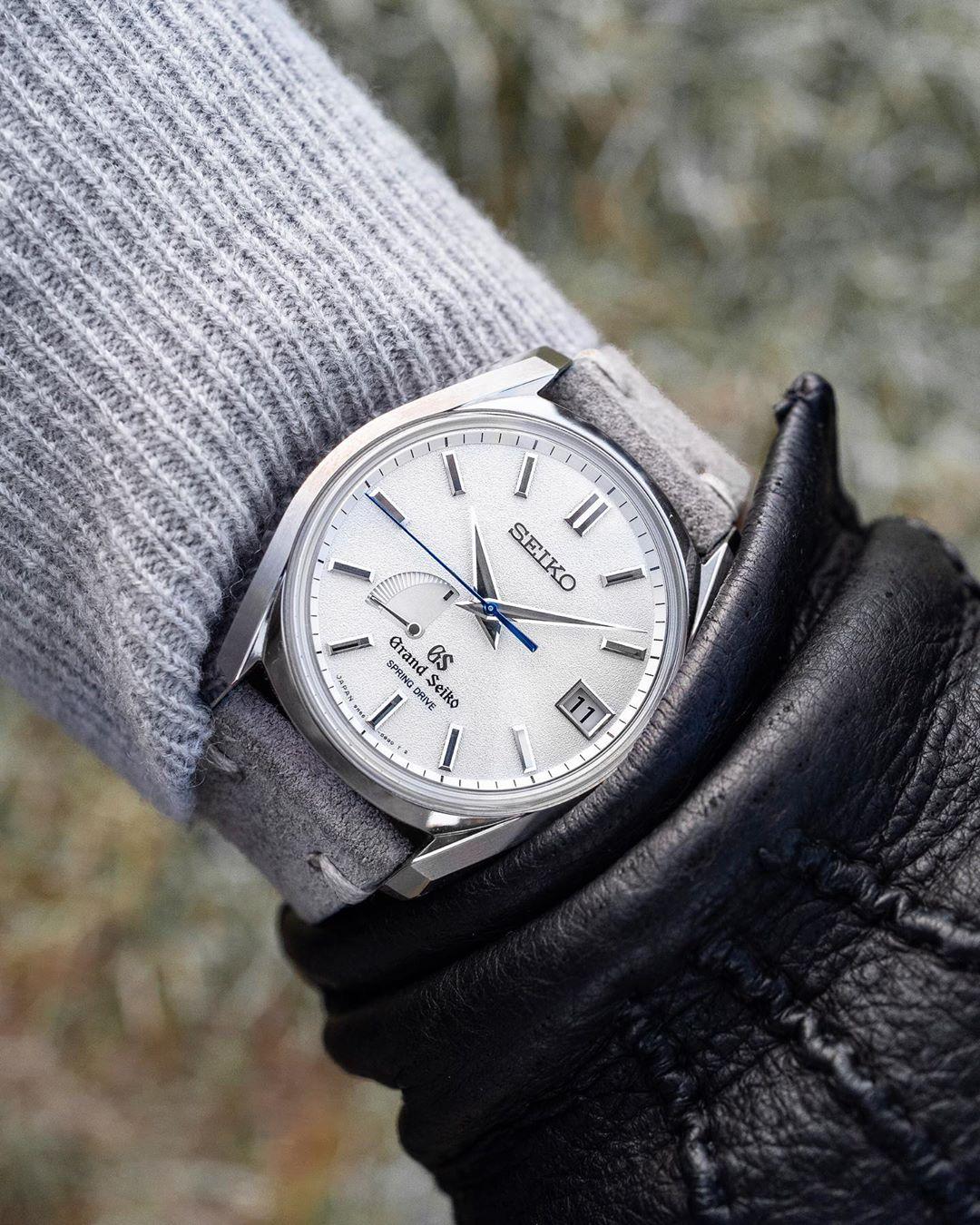 grand seiko grey watchbandit suede strap by gulenissen