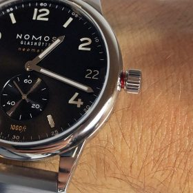NOMOS Club neomatik Sport 42 Datum red security crown
