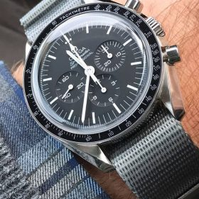 Omega Speedmaster Moonwatch grey Nato WB Original by @swisswristshots