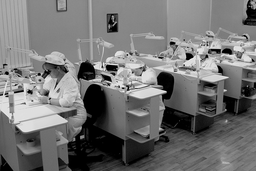 Raketa watches watchmakers at work
