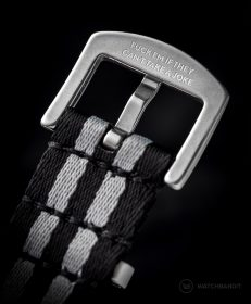 Engraved buckle of the Wristporn Trilogy NATO straps