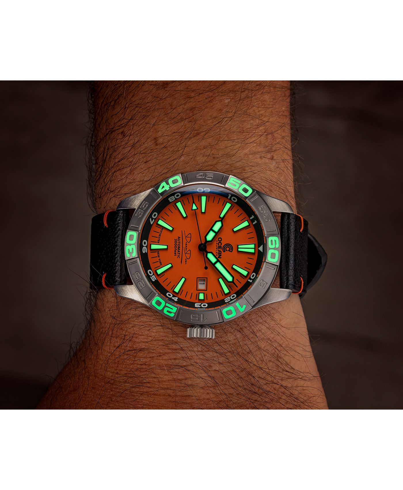 WB Ocean Crawler Dream Diver Dream Diver Orange Dial wrist lume