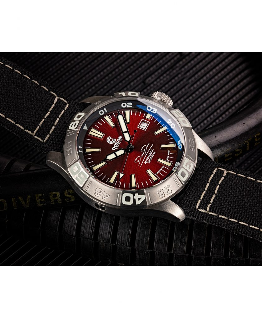 WB Ocean Crawler Dream Diver Dream Diver Red Dial mood