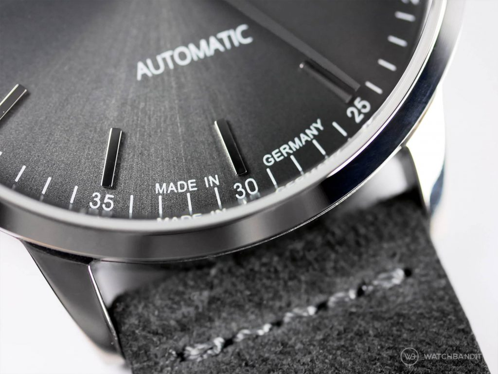 Circula Classic Automatic Anthracite dial close up 2 watchbandit