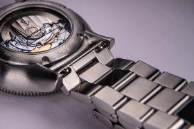 Von Doren URAED quick release stainless steel bracelet