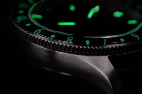 Von Doren URAED lume bezel close up