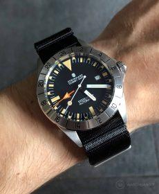 Steinhart Ocean Vintage GMT Strap guide black NATO strap