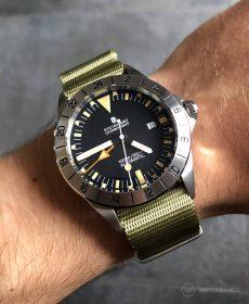 Steinhart Ocean Vintage GMT Strap guide green NATO strap