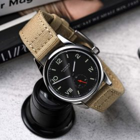 NOMOS Club Campus dunkel beige canvas strap