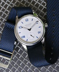 NOMOS Club Campus dunkel blue premium adjustable NATO strap Watchbandit