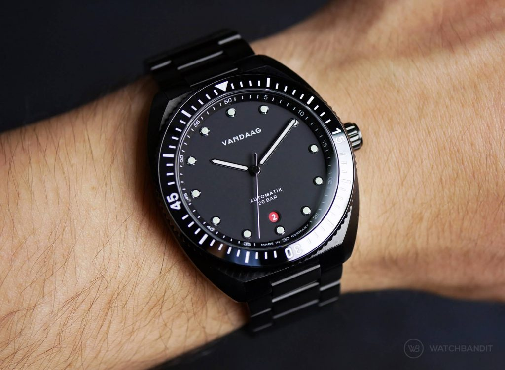 VANDAAG Tiefse Automatik Black Wristshot