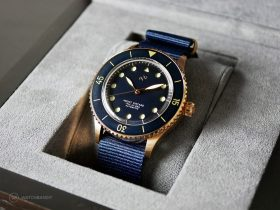 "About Vintage - 1926 ""At'Sea"" Automatic - Rose Gold / Blue Vintage - Box"