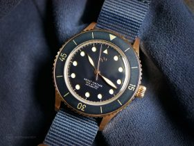 "About Vintage - 1926 ""At'Sea"" Automatic - Rose Gold / Blue Vintage"