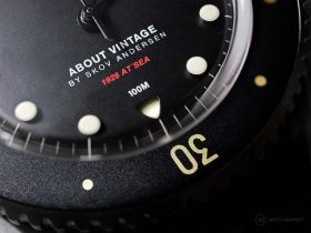 "About Vintage - 1926 ""All Black"" Automatic - Bezel Macro"