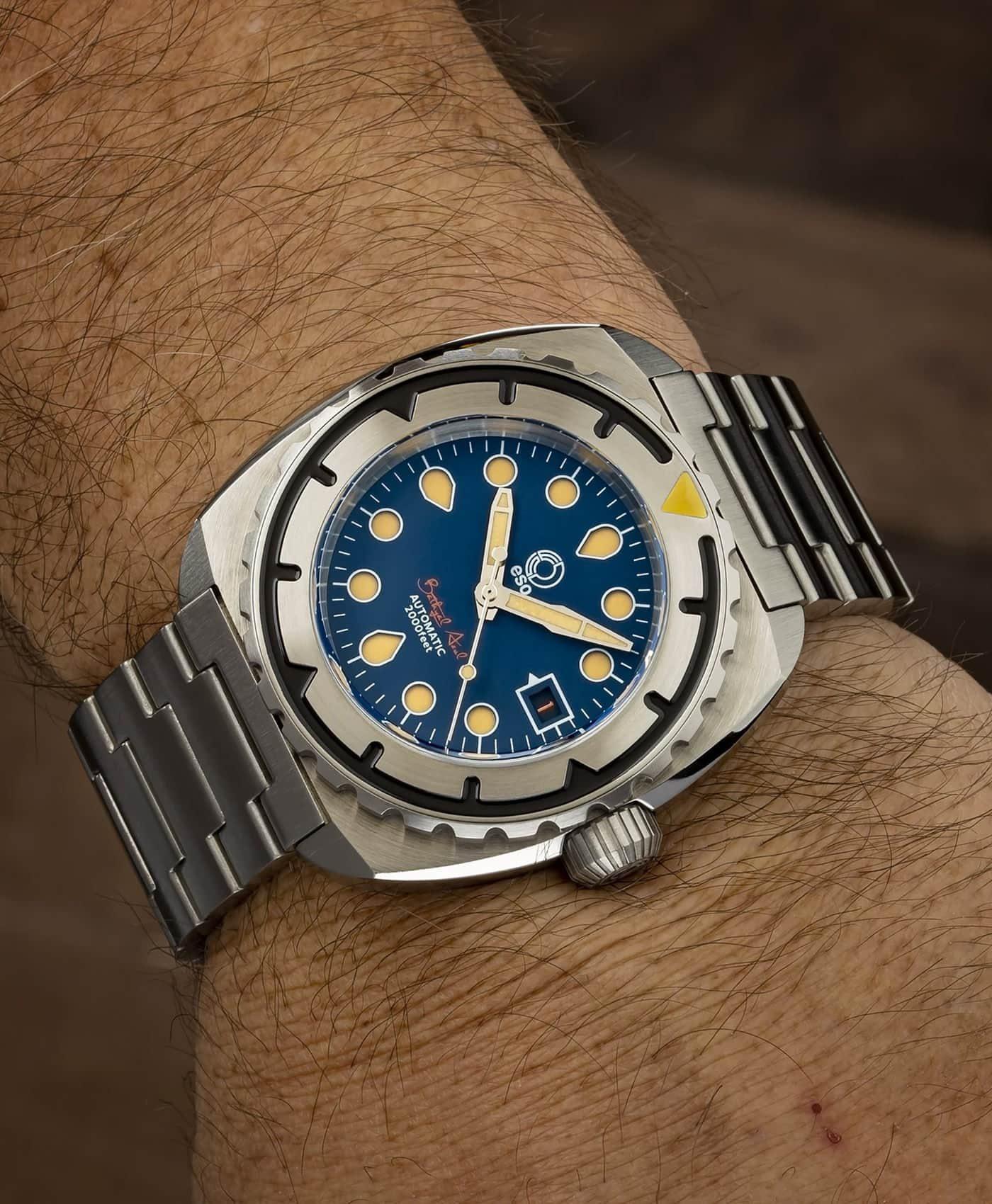 Esoteric-Watches_Bathyal Azul_wristshot