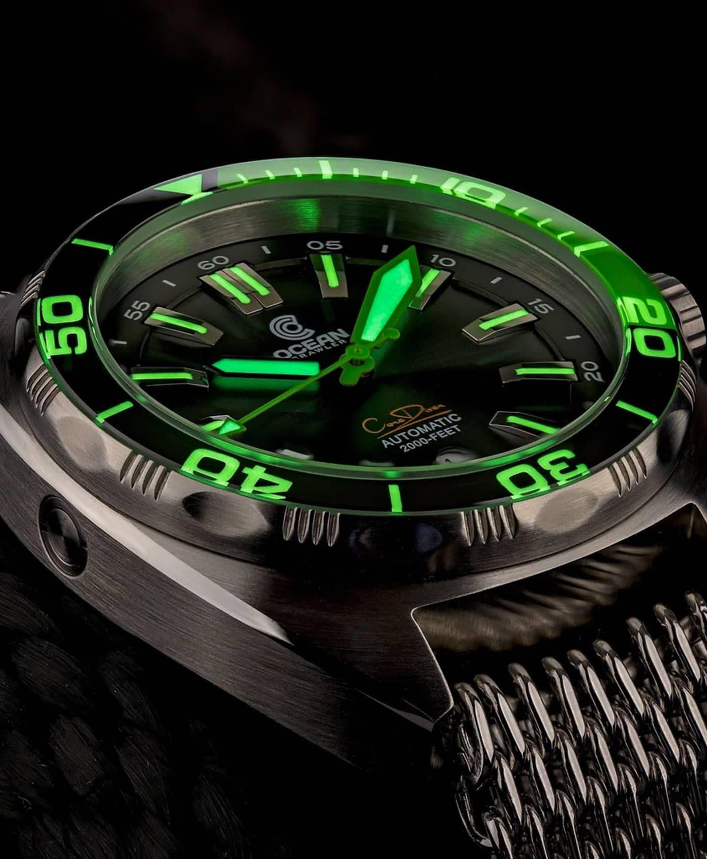 Ocean Crawler Core Diver Green Black v3 lume shot