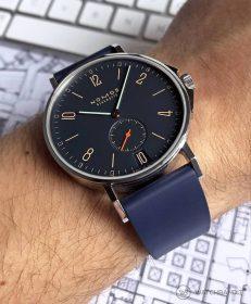 NOMOS Ahoi Atlantic Rubber Classic Blue WB wrist shot