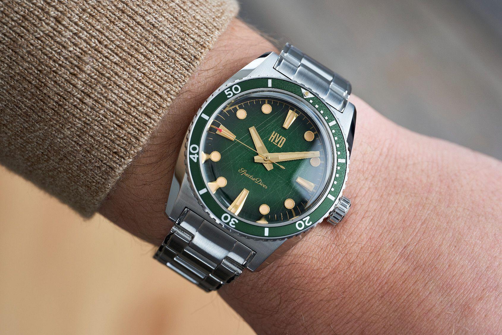 HVD SpectreDiver wristshot green