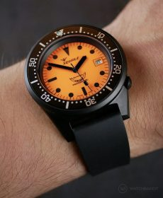 Black Classic-Style rubber strap by WB Original