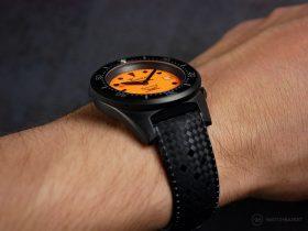 Squale-Luminoso Arancia PVD-wrist shot side
