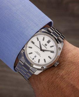 Formex - Essence FortyThree - Automatic Chronometer White dial - wrist shot