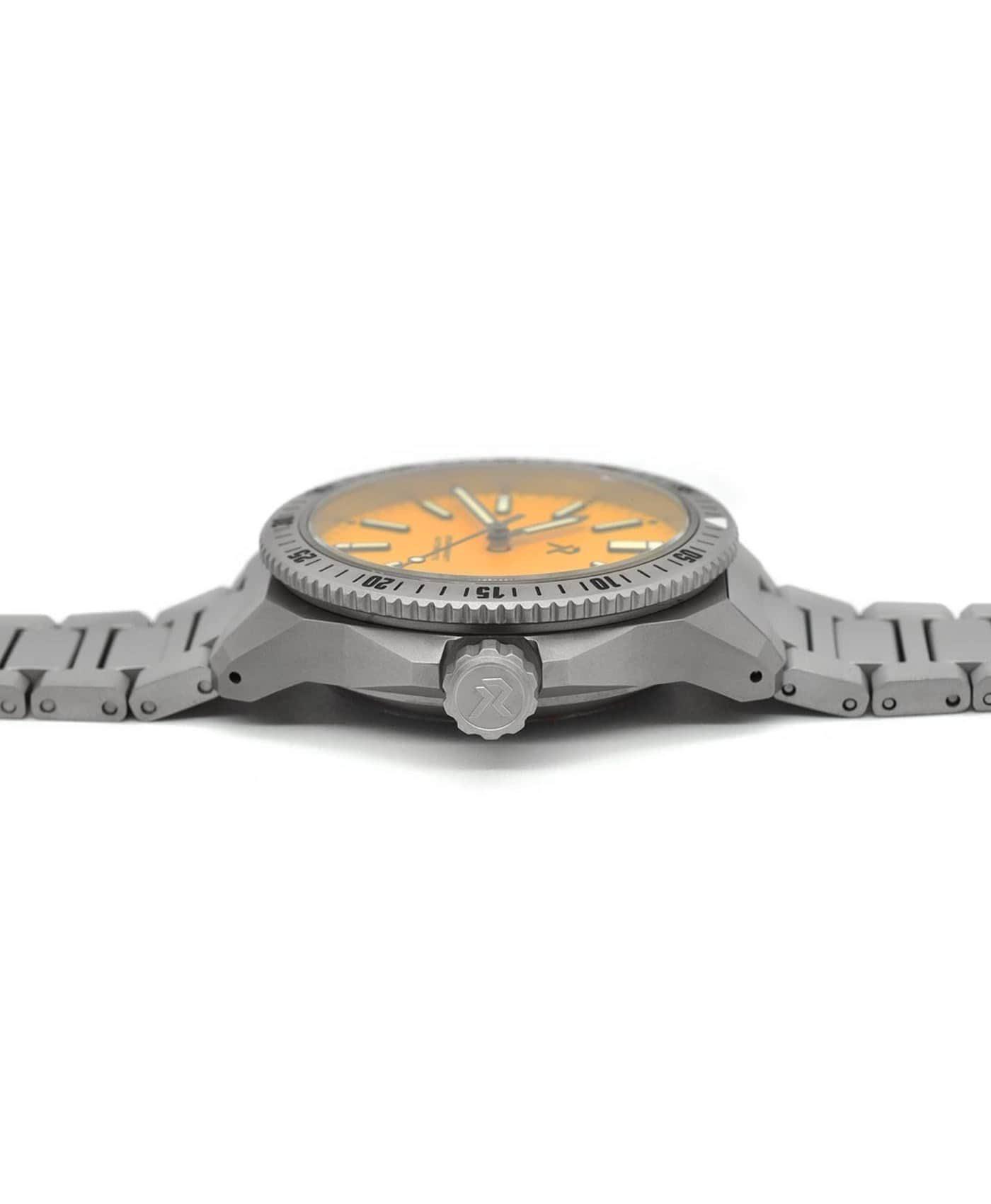 RZE - Endeavour - Medallion Yellow - crown guards