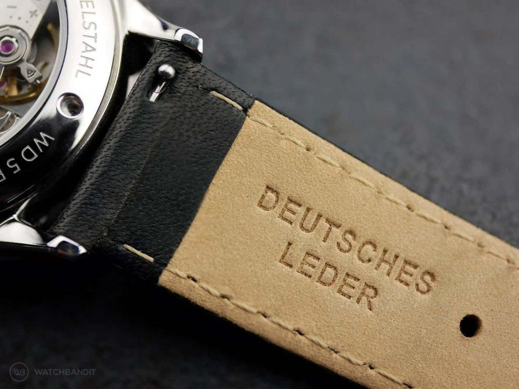 Vandaag-Primus_German leather strap