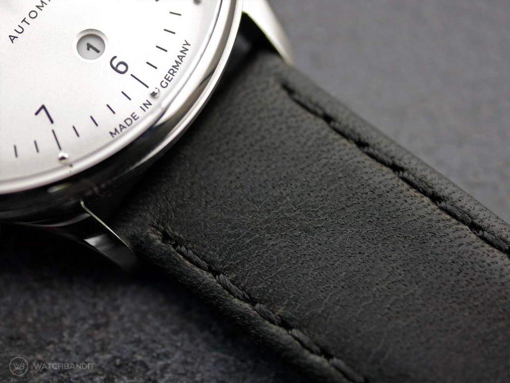 Vandaag-Primus_leather strap close up