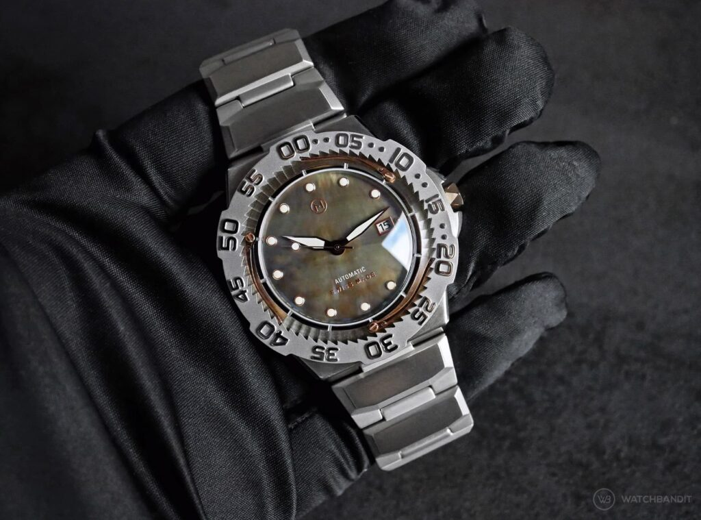 NOVE Trident dive watch in hand