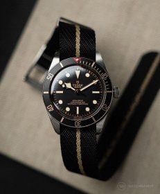 Adjustable Single-Pass NATO strap black/beige on Tudor Black Bay