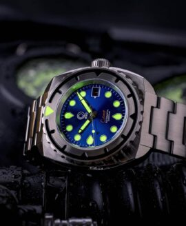 Esoteric-Watches_Bathyal Celestial_lume shot